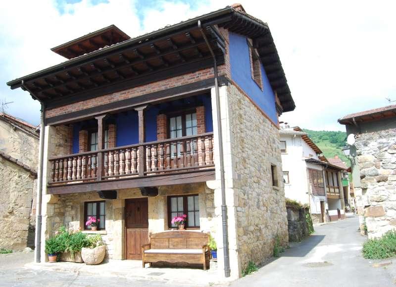 Casa Rural en Asturias. La Regenta, en Póo de Cabrales.
